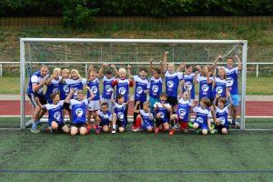 Kinder im Junior Fußballcamp von Ferienfußball