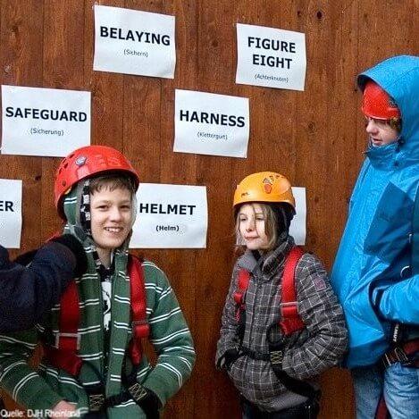 Englisch Adventure Feriencamp: Kinder im Kletterpark