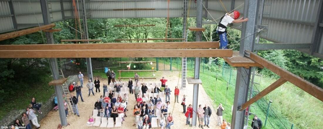 Jugendherberge Hellenthal: Überdachter Hochseilgarten