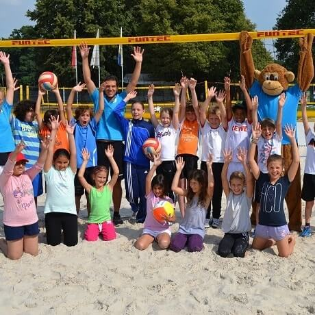 Kinder und Trainer im Move-It Sportcamps